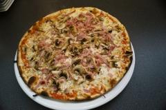 Restaurant italien limoges la gondole Pizza Regina